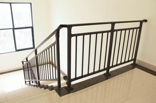 桌面锌钢楼梯扶手图片,锌钢护栏围栏栅栏图片,铁艺楼梯扶手